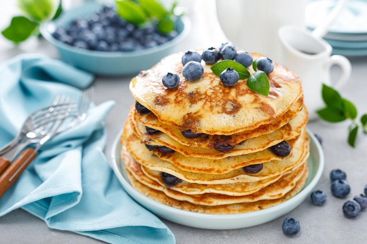 Wake & Bake Blueberry Pot Pancakes