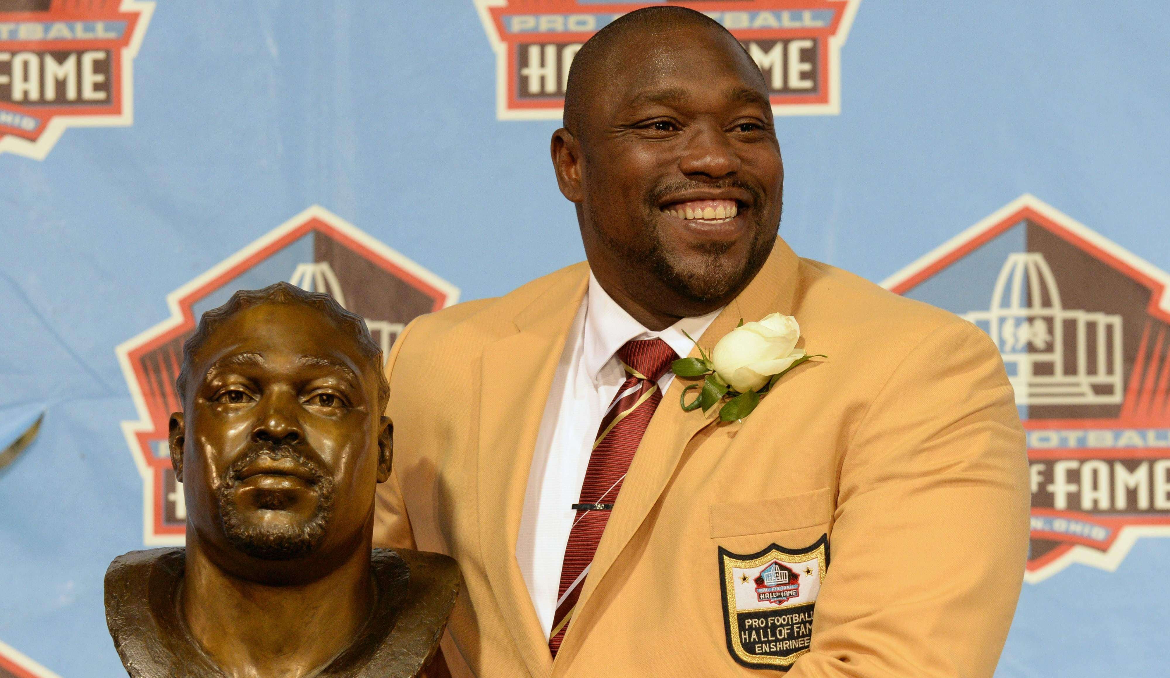 Warren Sapp — Pro Football Hall of Famer, and greatest defensive tackle of all time!!