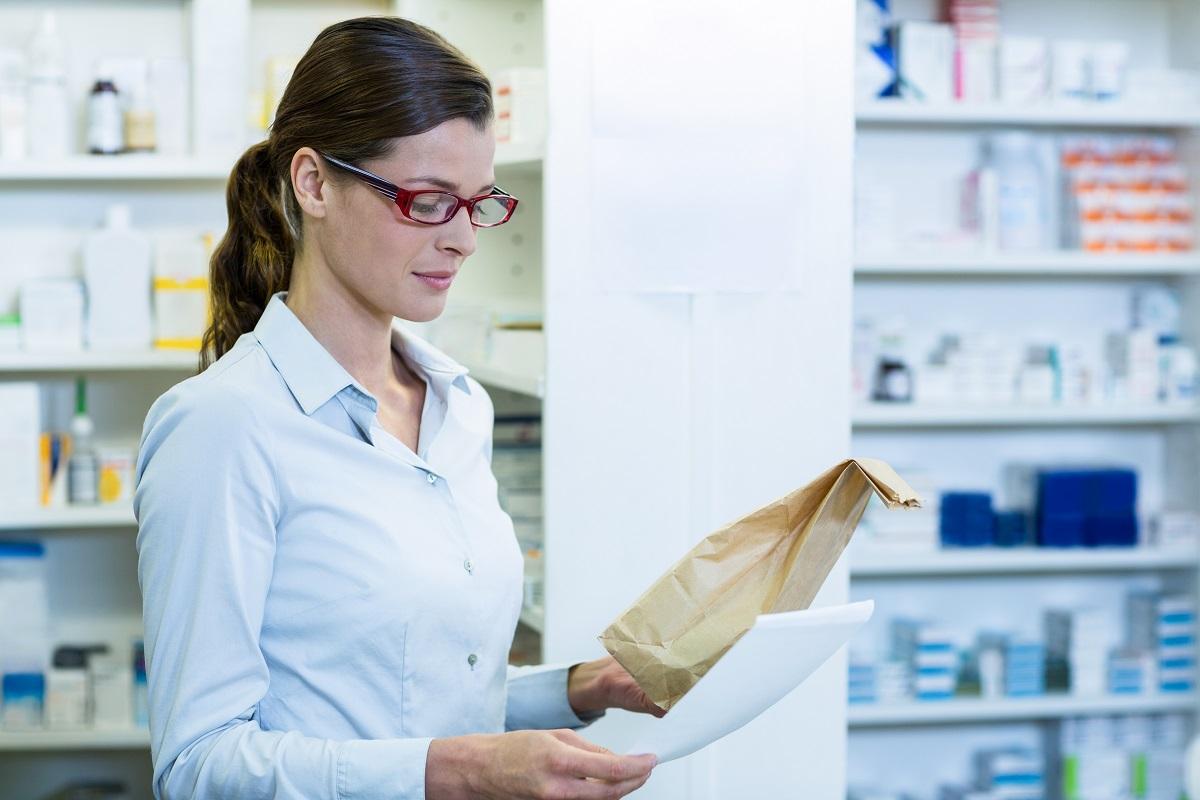 Illinois to Issue 75 New Dispensary Licenses marijuana doctors