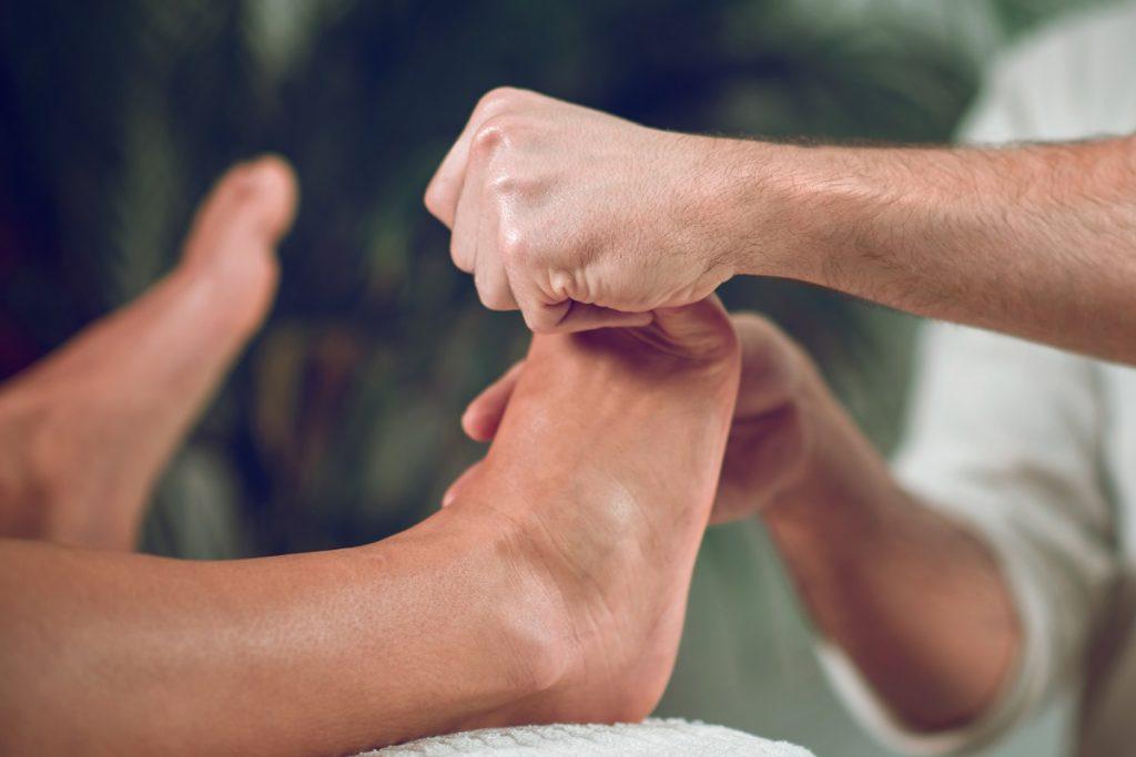 Diabetic foot ulcers, CBD  marijuana doctors